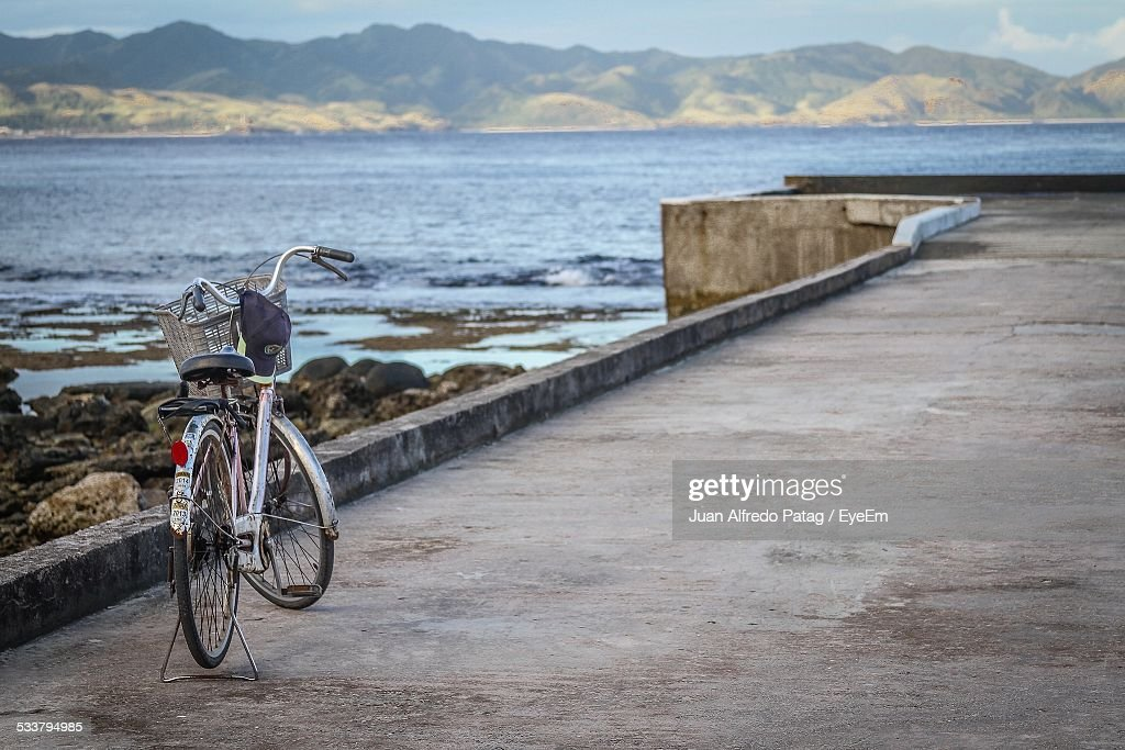 Bicycle On Pier : Foto stock