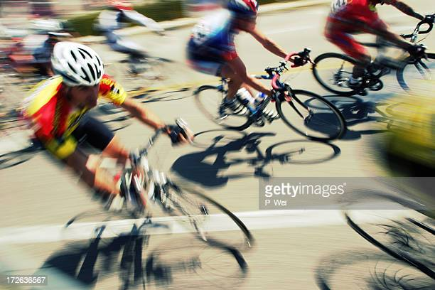 Bicycle Race: rounding the turn