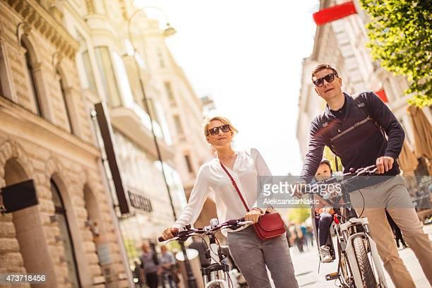 Balade à vélo à travers la ville