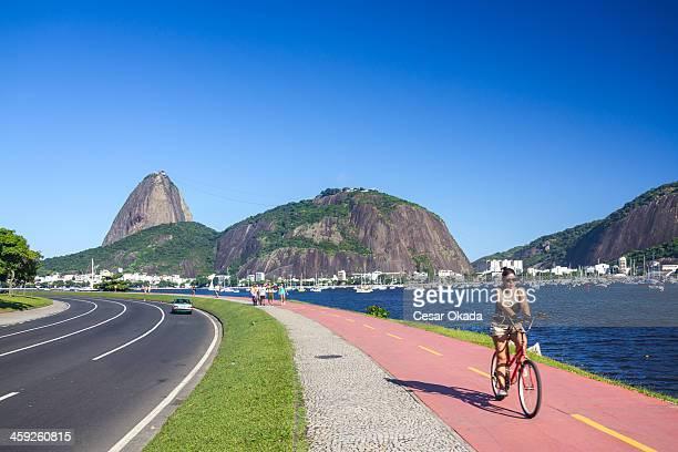 piloto de bicicleta no rio de janeiro - rio de janeiro - fotografias e filmes do acervo