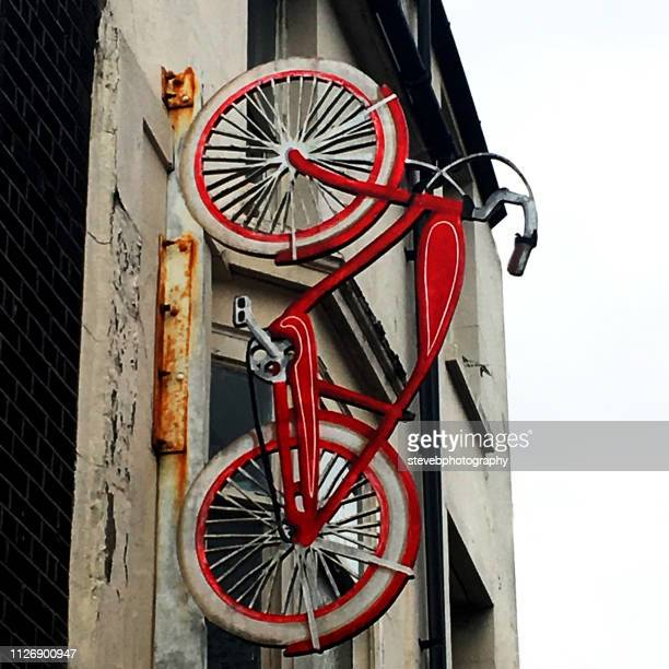 bicycle shop - stevebphotography stock pictures, royalty-free photos & images