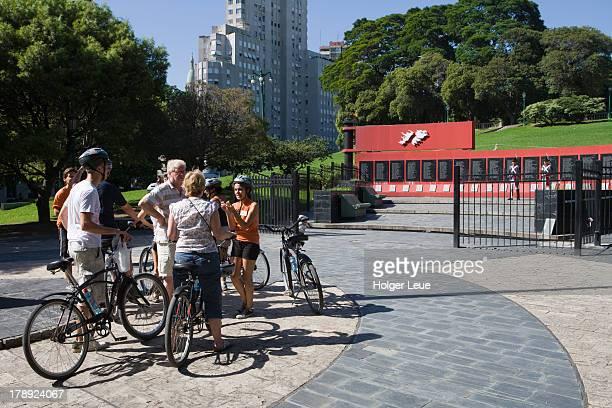 bicycle sightseeing tour at malvinas war memorial - falklands war stock pictures, royalty-free photos & images