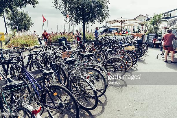 bicycles at ile de re, france - ile de france stockfoto's en -beelden