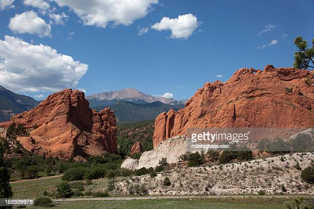 bicyclists pikes peak garden of the gods park colorado springs - garden of the gods stock photos and pictures