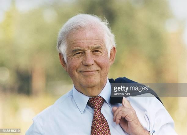 Biedenkopf, Kurt *- Politiker , DMinisterpraesident von Sachsen 1990-2002- Portrait