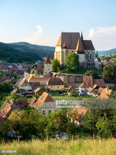 biertan village, unesco heritage site in transylvania, romania - siebenbürgen stock-fotos und bilder