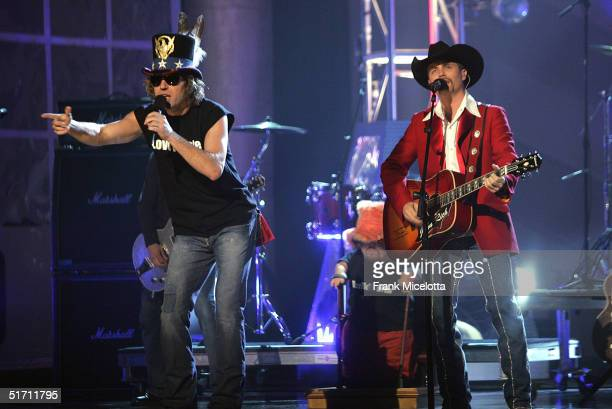 Big and Rich performs on stage at the 38th Annual CMA Awards at the Grand Ole Opry House November 9 2004 in Nashville Tennessee