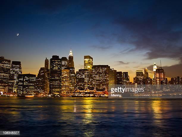big apple, new york city manhattan night scene - mlenny stock-fotos und bilder