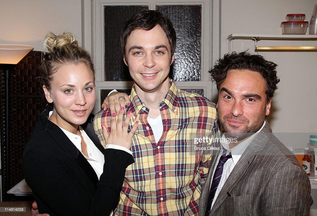 Celebrities Visit Broadway - May 17, 2011 : Nachrichtenfoto