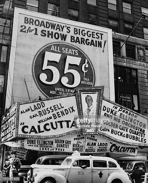 Big Bargain In Paramount Theater At New York In UsaNorth America On 1947