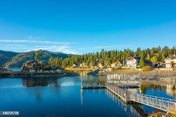 see big bear's boulder bay, san bernardino national forest, ca - kalifornien stock-fotos und bilder