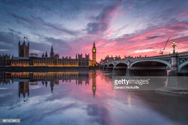 big ben and houses of parliament at sunset, big ben, london, england, uk - london england stock-fotos und bilder