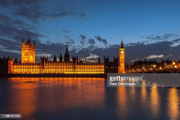 big ben and the house of parliament in london at dusk - シティ・オブ・ウェストミンスター ストックフォトと画像