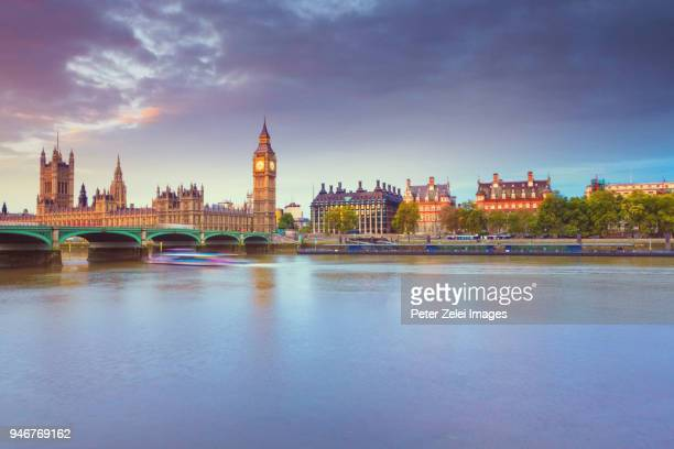 big ben and the house of parliament in london at sunrise - テムズ川 ストックフォトと画像