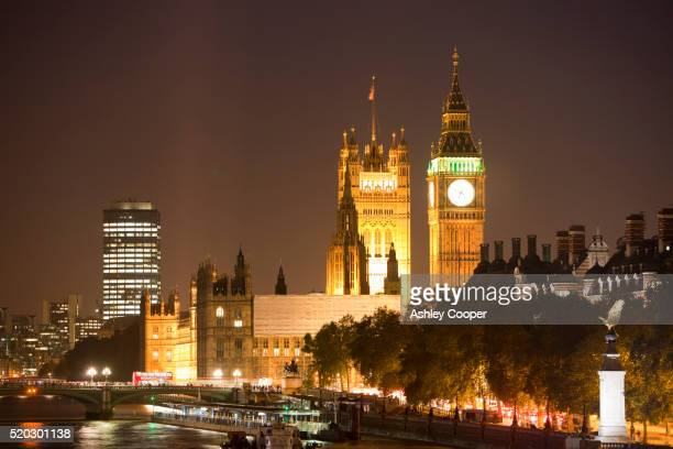 Big Ben and the Houses of Parliament at night, London, UK.