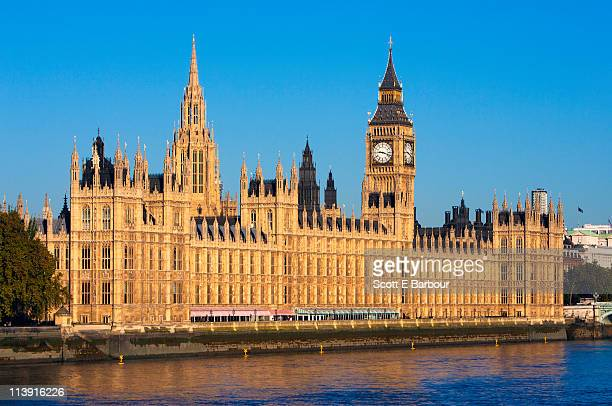 big ben, houses of parliament and river thames - houses of parliament london stock pictures, royalty-free photos & images