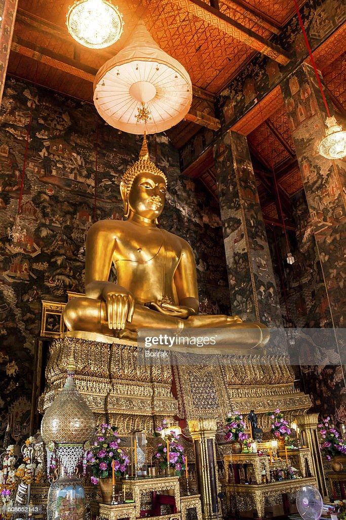 Big buddha statue beautiful in the church : Stock Photo