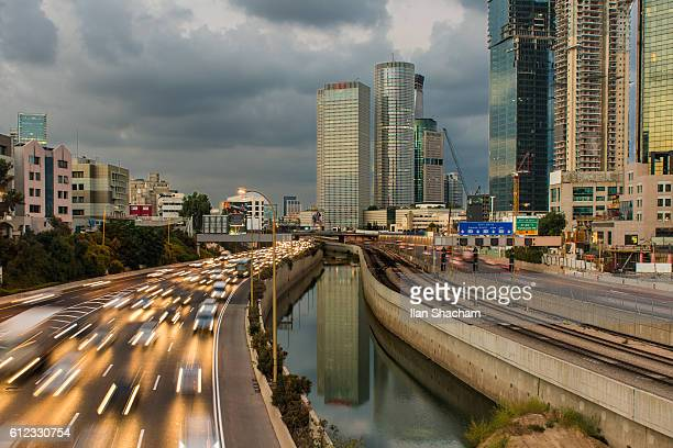 big city rush hour - tel aviv stock pictures, royalty-free photos & images