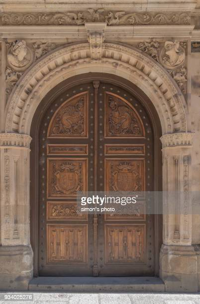 big classical front door - neoklassiek stockfoto's en -beelden