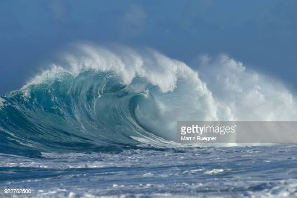 big dramatic wave. oahu, hawaii, usa, pacific islands, pacific ocean. - north shore stock photos and pictures