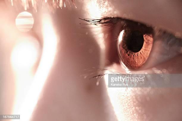 big eye. - 人間の眼 ストックフォトと画像