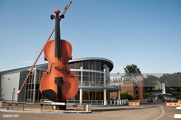 big violín en joan harriss pavillion - sydney fotografías e imágenes de stock