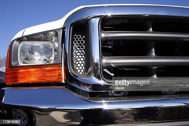 big front end - vehicle grille stock pictures, royalty-free photos & images