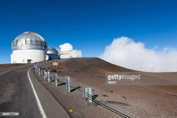 big island mauna kea gemini observatory hawaii islands - media_in_honolulu,_hawaii stock pictures, royalty-free photos & images