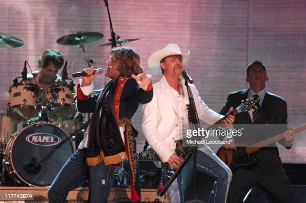 Big Kenny and John Rich of Big Rich perform Comin' to Your City