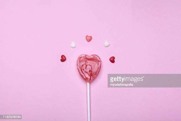 big love lollipop - weiblichkeit stock-fotos und bilder