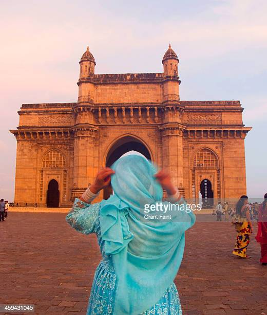 big monument. - mumbai stock pictures, royalty-free photos & images