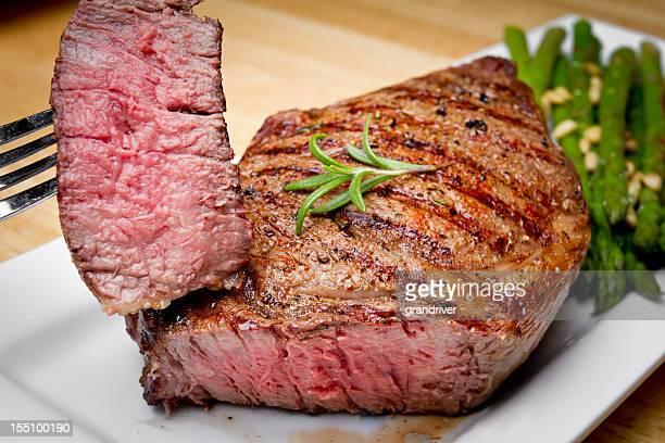 Grandes côtes de bœuf Steak découpé avec en-cas