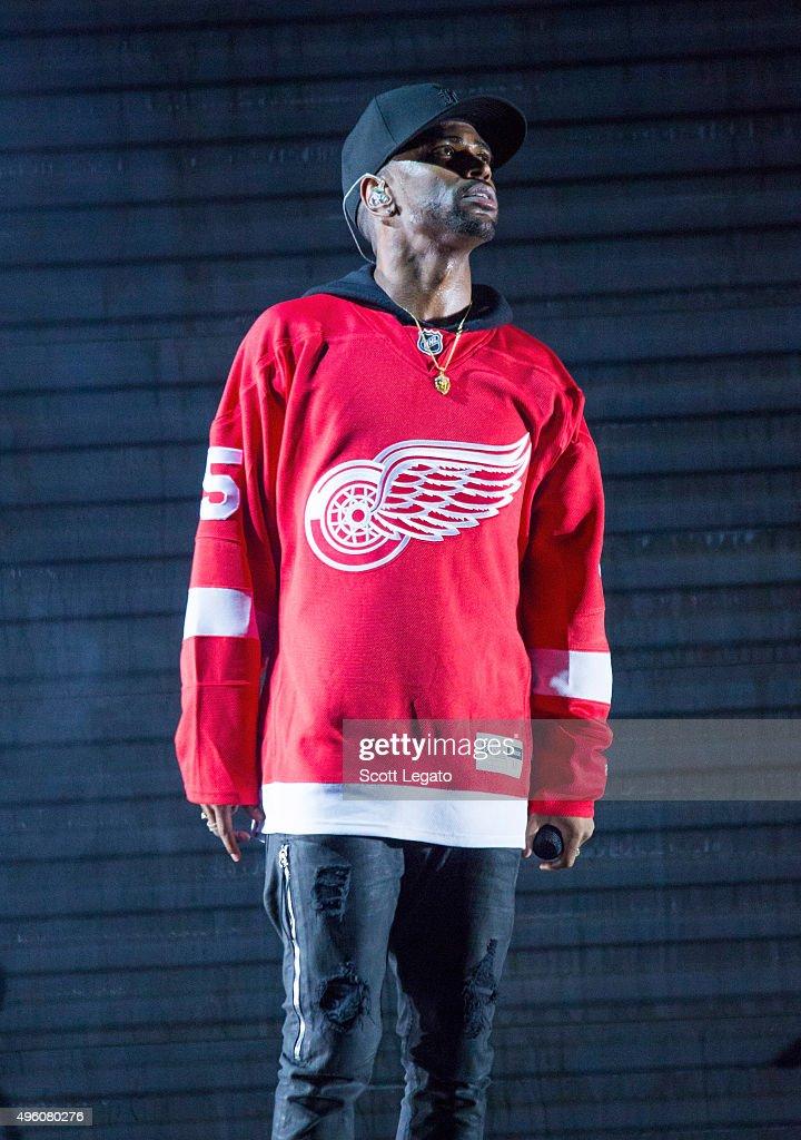 Big Sean performs in concert in his hometown of Detroit at Joe Louis Arena on November 6, 2015 in Detroit, Michigan.