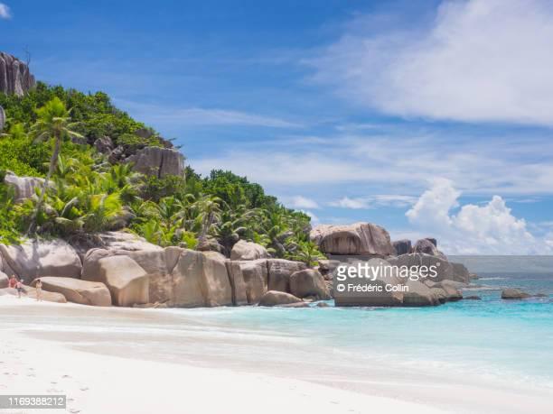big sister island in seychelles - laguna foto e immagini stock