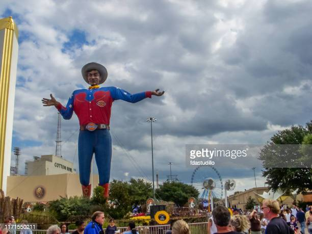 big tex - state fair of texas - dallas - livestock show stock pictures, royalty-free photos & images