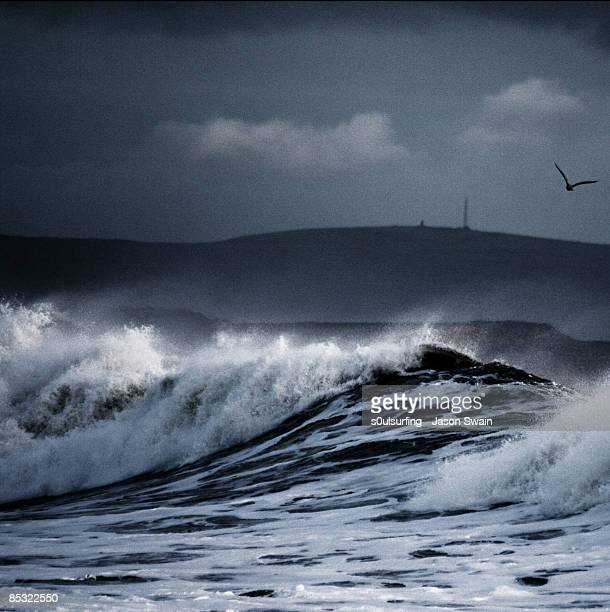 big wave blues - s0ulsurfing stock pictures, royalty-free photos & images