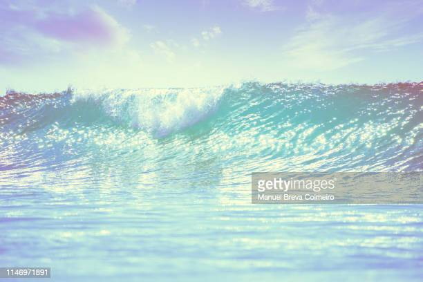 big wave - big wave surfing stock pictures, royalty-free photos & images