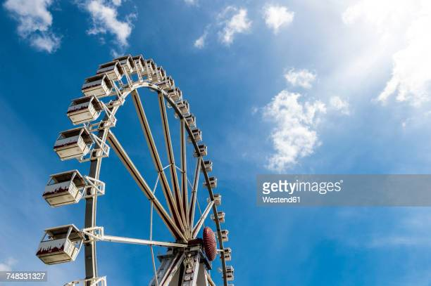 big wheel under blue sky - ferris wheel stock pictures, royalty-free photos & images