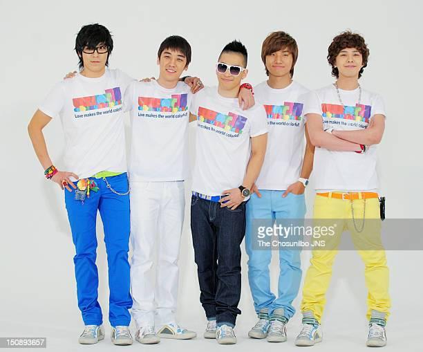 Bigbang pose for photographs on April 8 2009 in Seoul South Korea
