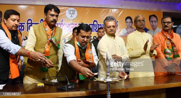 Bihar BJP General Secretary Bhikhubhai Dalsania with Bihar Road Construction Minister Nitin Navin during Social Media and IT Wing Workshop at BJP...