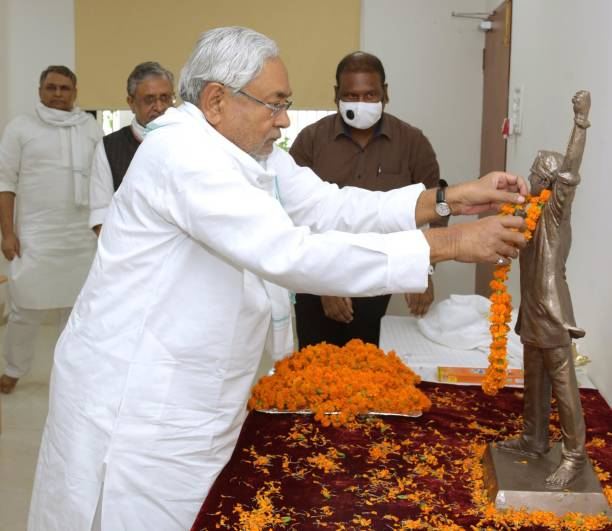IND: Bihar CM Nitish Kumar Pays Tribute To Former Minister George Fernandes On His Birth Anniversary