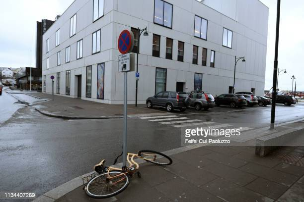 a bike and no stopping sign at city of bodö, norway - feifei cui paoluzzo stock pictures, royalty-free photos & images