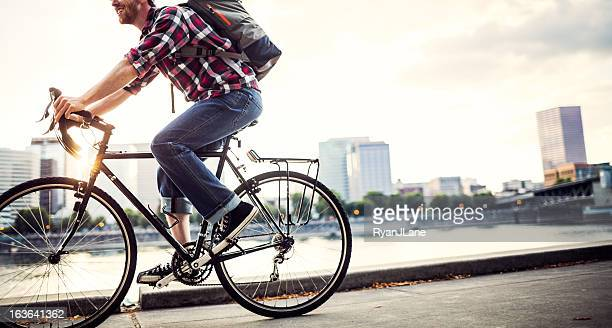 bike commuter in portland oregon - rush hour stock pictures, royalty-free photos & images