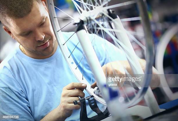 整備修理、輪バイク - クランクセット ストックフォトと画像