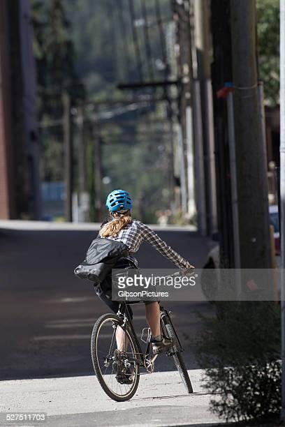 Coursier à vélo fille