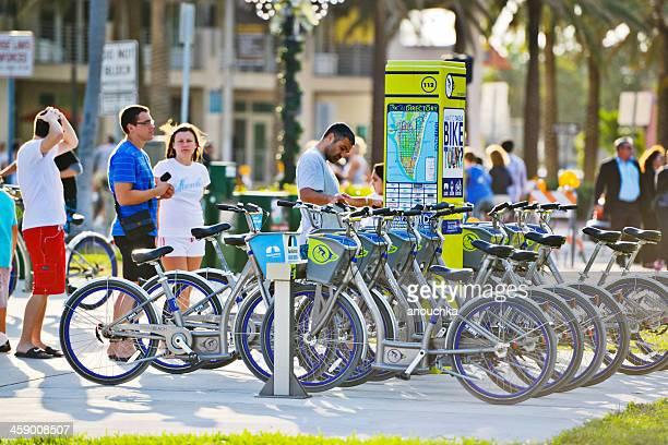 Fahrradverleih am Ocean Drive, Miami Beach, USA