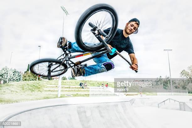 bmx biker - bmx cycling stock pictures, royalty-free photos & images