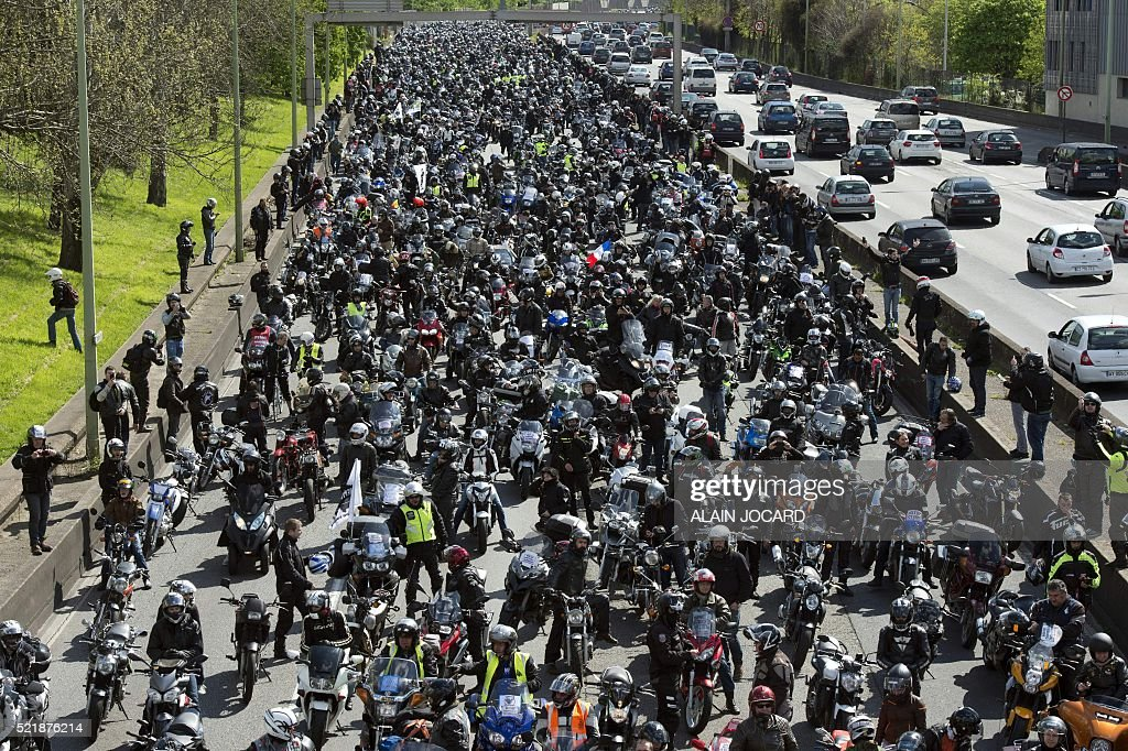FRANCE-TRANSPORT-ROAD-GOVERNMENT-DEMO : News Photo