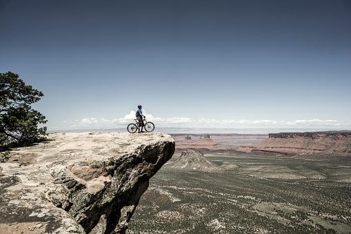 Biking near Moab Utah. - gettyimageskorea