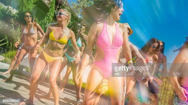 Bikini dans op patio